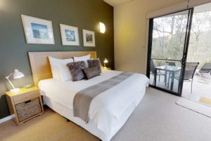 Hunter Valley Luxury Accommodation, Lowanna Retreat, King size bed